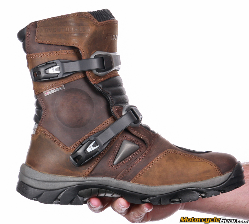 Viewing Images For Forma Adventure Low Boots ...